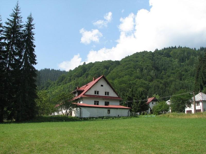 Základná škola pri Liečebno-výchovnom sanatóriu v Ľubochni
